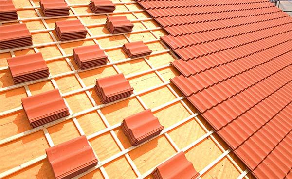 luchtreinigende dakpan en tegelverf in de bouwsector